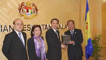 Malaysia and China enhance cooperation in dentistry