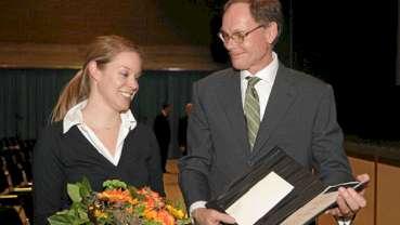 Förderpreis 2010 der Stiftung Zahnärztliche Wissenschaften verliehen