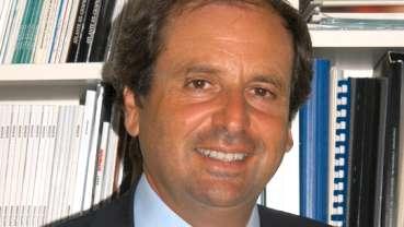 """""""Controversie Cliniche in Implantologia Osteointegrata"""": intervista a Giuseppe Luongo"""
