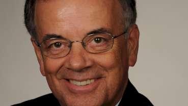 Ronald J. Hunt becomes ADEA president