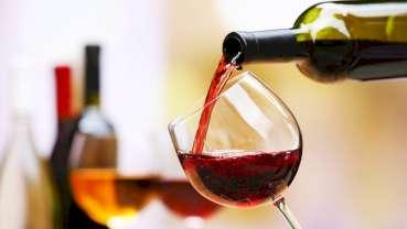 Viinin polyfenolit voivat estää kariesta ja parodontaalisia sairauksia