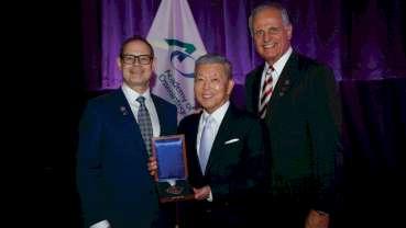 Higuchi receives Nobel Biocare Branemark Osseointegration Award