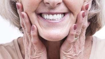 Nove smernice za održavanje i čišćenje zubnih proteza