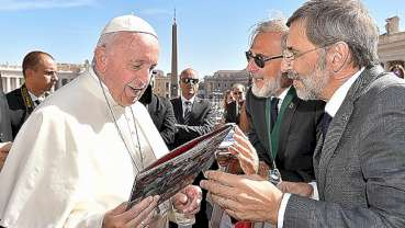 International College of Dentists meets with Pope Francis