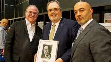Ο Kαθηγητής Jörg Strub έλαβε το πέμπτο βραβείο PI Brånemark