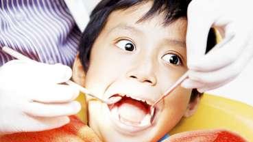 Nowe badania analizują przyczyny lęku stomatologicznego u dzieci