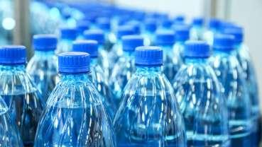 FDA、ボトル入り飲料水に対する新たなフッ素基準案を発表
