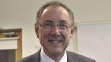 Dundee professor honoured by International Association of Paediatric Dentistry