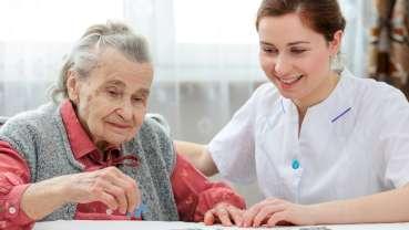 Accompagnement et prévention au quotidien de la santé orale des personnes dépendantes