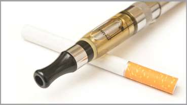 Badania pokazują, że zmienia się postrzeganie szkodliwości e-papierosów
