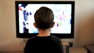 Televisiekijken mogelijk van invloed op mondgezondheid