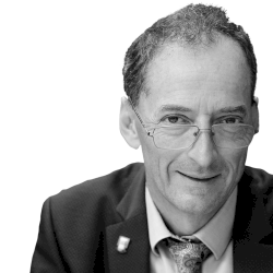 Prof. Iain Chapple DS, FDSRCPS, PhD, FDSRCS, CCST (Rest Dent)