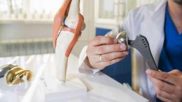 Leidensdruck des Patienten ist ausschlaggebend für den richtigen Zeitpunkt bei Gelenkersatz